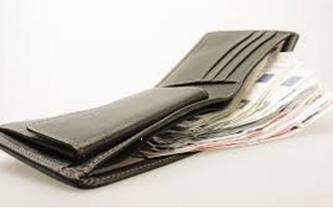 Cómo saber si estás poniendo al dinero antes que a Dios